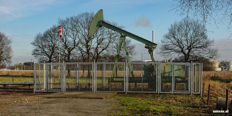 Oliewinning in het Schooneveld
