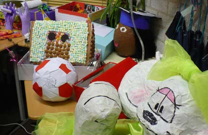Sinterklaas, Sinterklaas surprises