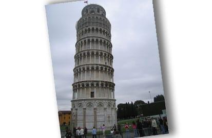 De toren van Pisa weer 'rechtgebogen', De beroemde toren van Pisa
