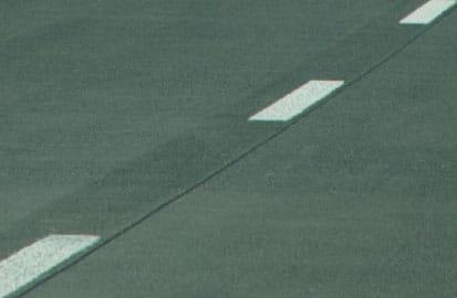 Witte lijnen voor de veiligheid, Strepen op de weg