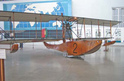 Vliegtuig van luchtvaartpioniers in Lissabon